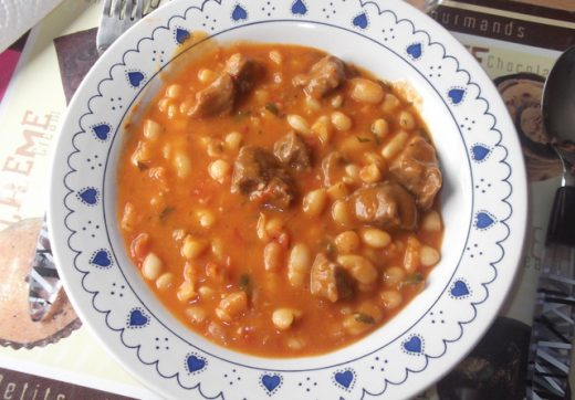 Beef stewed with white beans